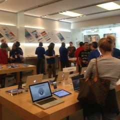 Photo taken at Apple Store, SouthPark by Natural W. on 5/7/2013