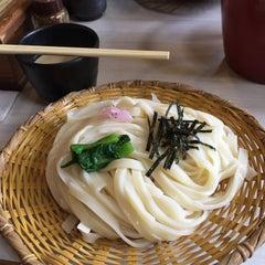 Photo taken at 手打うむどん 始祖 清水屋 by Tani O. on 3/22/2015