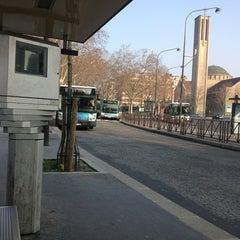 Photo taken at Arrêt Porte de Saint-Cloud [PC1,22,62,72,175,N12,N61] by Zazou on 3/31/2013