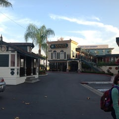 Photo taken at Anaheim Quality Inn & Suites by Kinsey S. on 11/27/2012