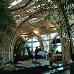 Photo taken at Lounge Istanbul by Daria K. on 3/9/2013