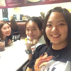 Photo taken at OldTown White Coffee by Cherise T. on 4/21/2015