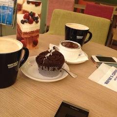 Photo taken at Wayne's Coffee by Bno0al ♛ on 5/8/2013