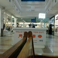 Photo taken at Partage Shopping by Junior B. on 4/11/2013