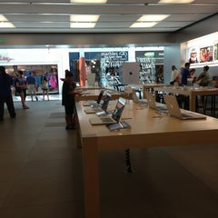 Photo taken at Apple Store, Towson Town Center by Sanyla C. on 7/29/2013