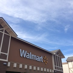 Photo taken at Walmart by Franco d. on 2/15/2013