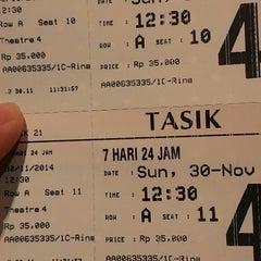 Photo taken at Tasik 21 by Santi S. on 11/30/2014