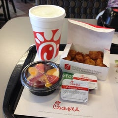 Photo taken at Chick-fil-A by Laura N. on 5/27/2013