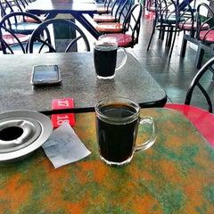 Photo taken at Restoran D'warna warni by Pejal R. on 10/1/2013