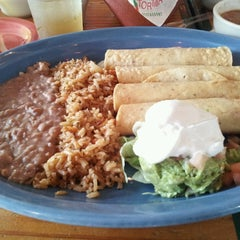 Photo taken at Lupe Tortilla - Houston Heights by Yarinel R. on 7/28/2013