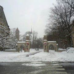 Photo taken at Indiana University Bloomington by Leonardo G. on 12/26/2012