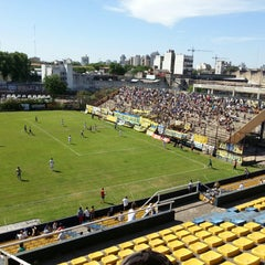 Photo taken at Estadio Don León Kolbowski - Club Atlético Atlanta by Martin V. on 11/8/2014
