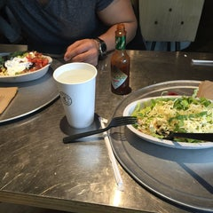 Photo taken at Chipotle Mexican Grill by Hothaifa on 12/22/2014