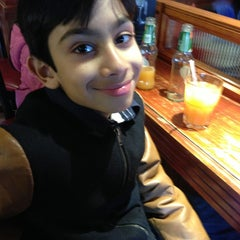Photo taken at Frankie & Benny's by Navaid A. on 4/7/2013