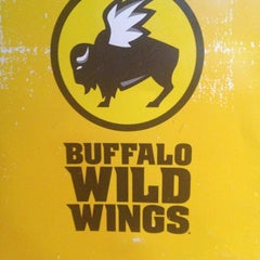 Photo taken at Buffalo Wild Wings by Qian T. on 7/5/2013