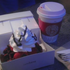 Photo taken at Caffé Bene by alex w. on 12/30/2012