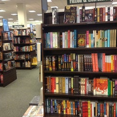 Photo taken at Barnes & Noble by Daniel G. on 8/25/2013