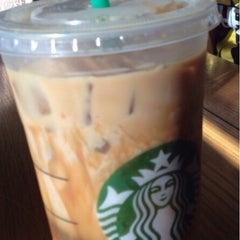 Photo taken at Starbucks by Loola's R. on 5/1/2015