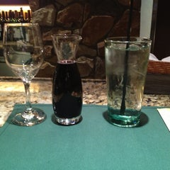 Photo taken at Olive Garden by Falyne S. on 11/1/2012
