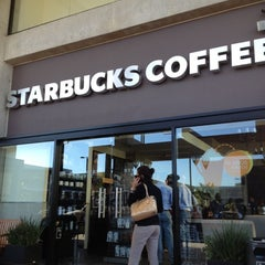Photo taken at Starbucks by José Gerardo L. on 10/5/2012