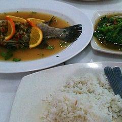 Photo taken at Restoran Perantau Seafood & Western Food by Zulhilmi on 5/3/2013