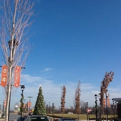 Photo taken at Woodmore Towne Centre at Glenarden by Tinu A. on 12/15/2012