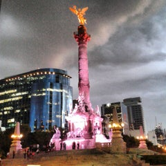 Photo taken at Monumento a la Independencia by manoLo m. on 7/31/2013