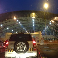 Photo taken at Tuas Checkpoint (Second Link) by ,7TOMA™®🇸🇬 S. on 10/12/2012