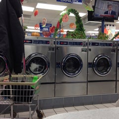 Photo taken at 24 Hour Laundry by Citlali M. on 11/12/2014