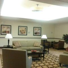 Photo taken at La Quinta Inn & Suites Chambersburg by Damon T. on 3/7/2013