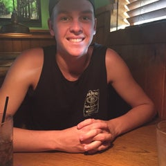 Photo taken at Outback Steakhouse by Nicole I. on 8/26/2015