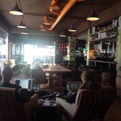 Photo taken at Kaffeslabberas'en by Casper R. on 9/18/2014