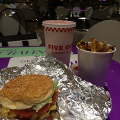 Photo taken at Five Guys by Raede i. on 7/25/2015