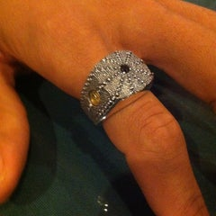 Photo taken at David Yurman - The Townhouse by Kurtanna G. on 5/9/2013