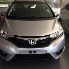 Photo taken at Honda Daitan by Lays V. on 2/23/2015