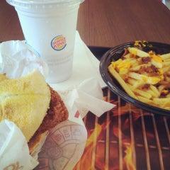Photo taken at Burger King by Gustavo H. on 3/29/2013
