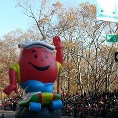 Photo taken at Macy's Thanksgiving Day Parade by Ryan S. on 11/22/2012
