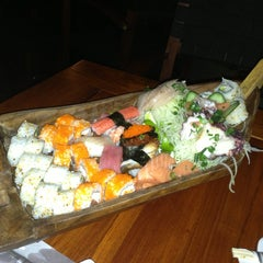 Photo taken at Sushi Itto by Raúl M. on 7/13/2013
