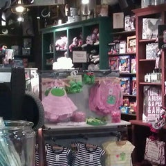 Photo taken at Cracker Barrel Old Country Store by Ashley S. on 3/7/2013