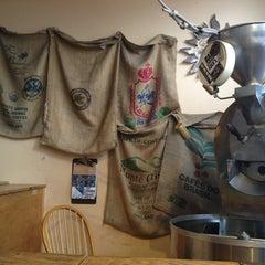 Photo taken at Winnings Coffee by Oscar H. on 8/1/2013