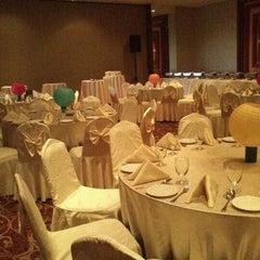 Photo taken at Pearl View Hotel by Nik Shafik on 5/1/2013