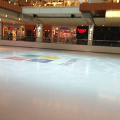 Photo taken at Ice at the Galleria by Khalid A. on 5/29/2013