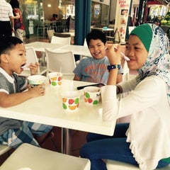 Photo taken at Tutti Frutti by Firdaus M. on 3/1/2015
