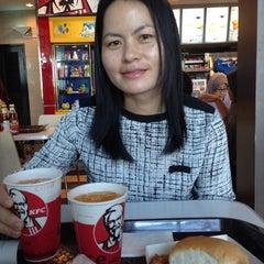 Photo taken at KFC by Augustine J. on 4/6/2014