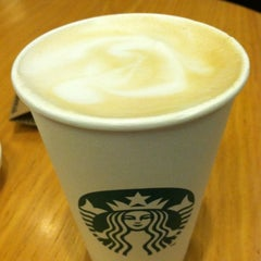 Photo taken at Starbucks by Delmy H. on 2/20/2012