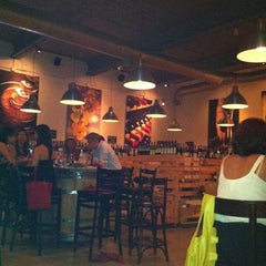 Photo taken at Wine Depot & Bistro 555 by Alexandre A. on 8/13/2011