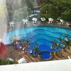 Photo taken at Renaissance Mumbai Convention Centre Hotel by John D. on 3/29/2011