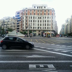 Photo taken at Plaça d'Espanya by Pepe D. on 9/3/2011