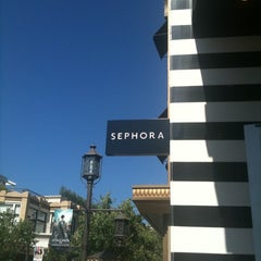 Photo taken at Sephora by Pada S. on 7/10/2011