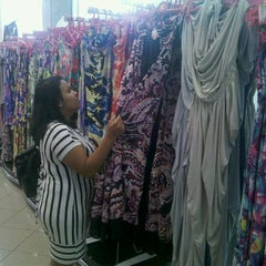 Photo taken at Textil Abril by Tony C. on 10/12/2011